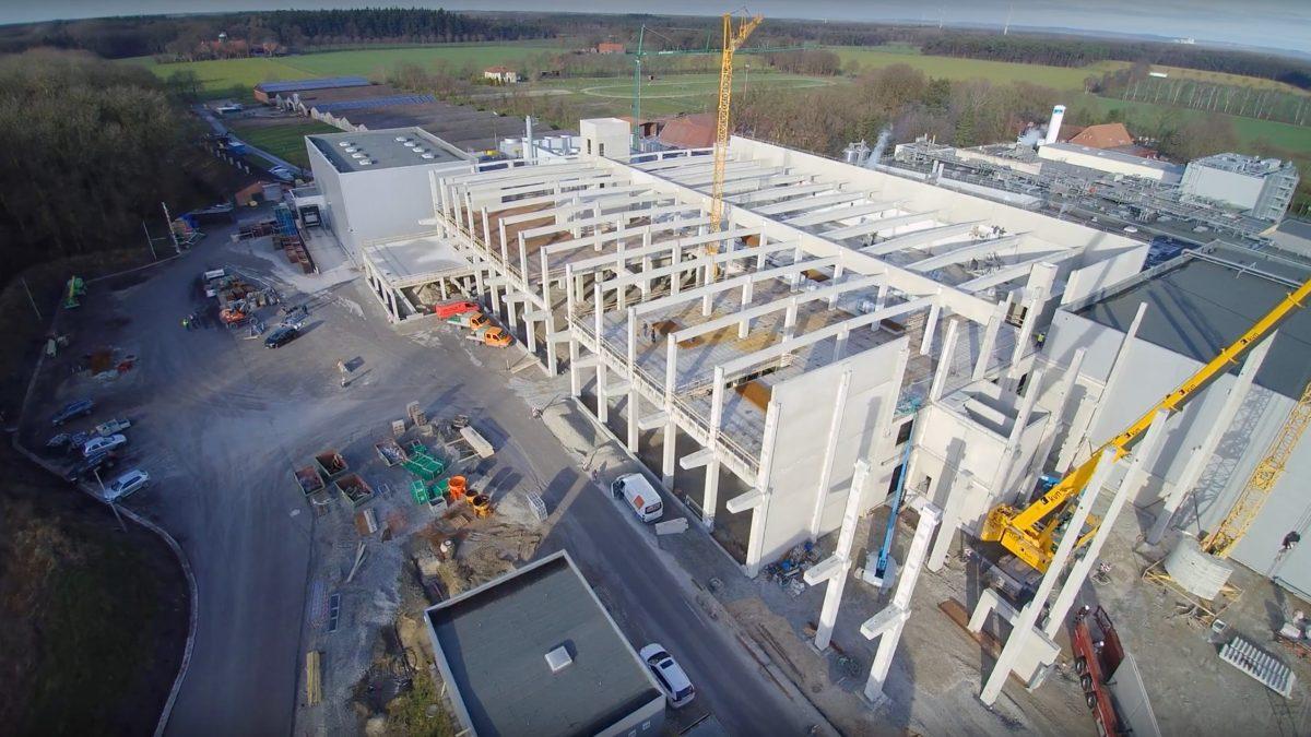 Bau von Vossko Halle mit Material von hydewa im Januar 2020